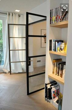 Mooie deuren en vloer Style At Home, Steel Doors And Windows, Chic Bathrooms, Internal Doors, Beautiful Interiors, Home And Living, Home Projects, Interior Inspiration, Interior Architecture
