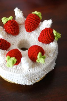 Ravelry: Angel Food Cake Amigurumi pattern by Nett Hulse free crochet pattern on Ravelry