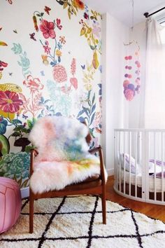 The bright colors inspire the accessories with the watercolor sheepskin