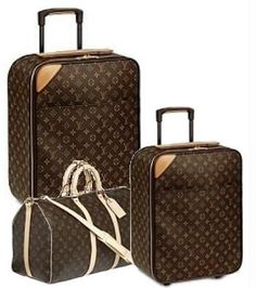 Vuitton 3 piece luggage set Will be sure to add this to my Christmas list.Louis Vuitton 3 piece luggage set Will be sure to add this to my Christmas list. Valija Louis Vuitton, Louis Vuitton Luggage Set, Louis Vuitton Handbags, 3 Piece Luggage Set, Luggage Sets, Travel Luggage, Lv Luggage, Luxury Luggage, Look Fashion