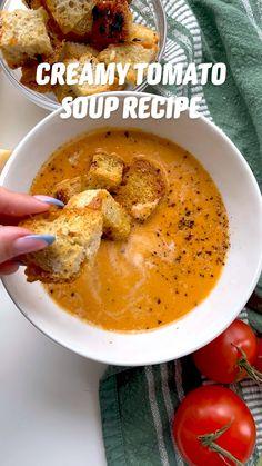 Autumn Food Recipes, Fall Vegetarian Recipes, Healthy Fall Recipes, Healthy Fall Soups, Summer Soup Recipes, Vegan Soups, Fall Food, Vegan Recipes, Dinner Recipes