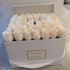 maison des fleurs flowers in a box, can be bought in Dubai. Luxury Flowers, My Flower, White Flowers, Beautiful Flowers, Roses Luxury, White Peonies, Simply Beautiful, Beautiful Images, Arte Floral