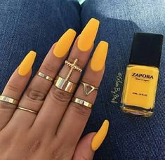 This colour is my life☀️