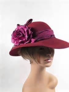 Vintage 1980s 80s Hat Wine Wool Wide Brim Derby Style with Floral