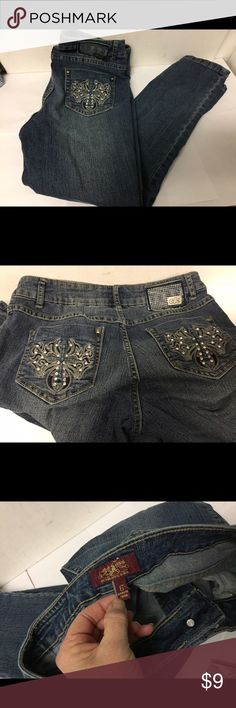 """One 5 One Denim Jeans sz 6 Embroidered Rhinestone Good clean condition. Stated size 6. Inseam 26"""". Waist 28-30"""". Rise 9"""". One 5 One Jeans"""
