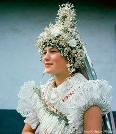 Bride in Slovak folk costume Vietnam Costume, Rare Clothing, Costumes Around The World, Mardi Gras Costumes, Folk Dance, Folk Costume, Photos Of Women, Beautiful Patterns, Traditional Dresses