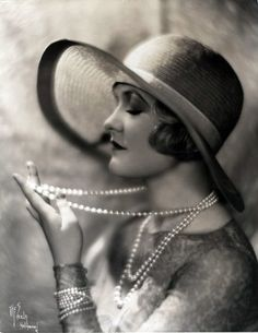 Pearls, pearls, pearls...1920's