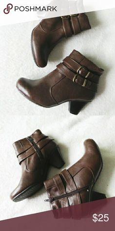 Brown ankle boots Brown bare traps ankle boots. There are some tiny scratches on these cute little boots but still look fantastic while wearing them! bare traps Shoes Ankle Boots & Booties