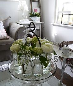 Monochromatic, colonial, same eclectic vintage/modern feel, ranunculus- Ranunculus abortivus,