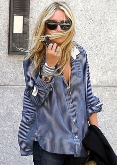Striped Shirt and Blue Jeans Outfit by Mary Kate Olsen - Casual Chic Look - Street Style Fashion - Camisa Boyfriend, Boyfriend Shirt, Boyfriend Style, Look Boho, Look Chic, Looks Style, Style Me, Mode Lookbook, New Yorker Mode