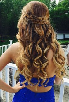 Trending Hairstyles for Prom