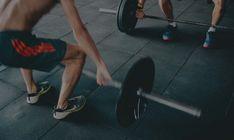 Ramai puternic! Elibereaza-te de durerea de spate! Muscle Building Program, Muscle Building Diet, Muscle Building Supplements, Muscle Building Workouts, Build Muscle, Building Apps, Building Ideas, Planet Fitness, Health Fitness