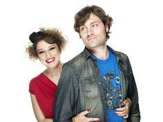Federico Russo e Marisa Passera su radio DeeJay conducono FM, ora, d'estate dalle 9 alle 10 e da mezzogiorno alle 13. Sono troppo giusti