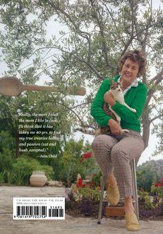 Julia's Cats: Julia Child's Life in the Company of Cats: Patricia Barey, Therese Burson: 9781419702754: Amazon.com: Books