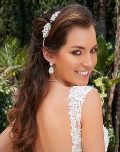 Cercei mireasa Anna cu zirconii albe Swarovski, Anna, Jewelry, Artist, Earrings, Fashion, Crystal, Shelf, Ear Rings