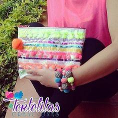 Llena de color tus días  Bolso  Pulseras hermosa combinación de  @tortilitas27  Disponible vía  Tortolitasc.a@gmail.com .  DIRECTORIO MMODA  #Tendencias con sello Venezolano  #DirectorioMModa #MModaVenezuela #DiseñoVenezolano #Estilo #Color #Designer #Fashion #Venezuela #Tendencia
