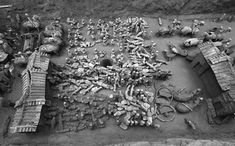 Mini Terracotta Army Unearthed in China A Han Dynasty-era pit includes 300 soldiers, guard towers, farm animals and everything else a noble might need in the afterlife Chinese Sites, Terracotta Army, Dinosaur Pictures, Archaeology News, History Images, Ancient Mysteries, Guangzhou, Pictures Images, Photos