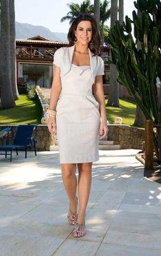 Mais lindos modelos como este no site: http://modelosdevestidos.biz/modelos-de-vestidos-evangelicos/