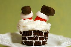 Cupcake. This is repinned from Jo Anne Lillis...she has just too many cute ideas