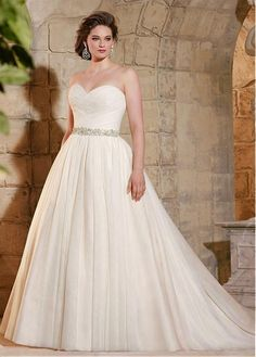 Glamorous Tulle Sweetheart Neckline A-line Plus Size Wedding Dress
