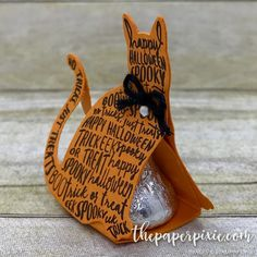 2017 Spooky Cat Hershey's Kiss Treat Holder with Video Tutorial - The Paper Pixie
