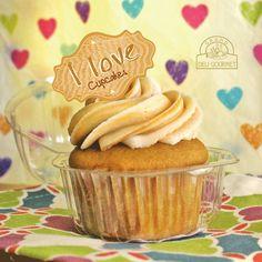 Cualquier día es bueno para recibir un detalle un bonito postre o un rico porcionado tenemos gran variedad en Grand Deli Gourmer disfruta compartiendo la dulce colección de cupcakes @bitespanama #fullrecomendado #gourmetpty #granddeligourmetpty #delidelicias #dulceplacer #regalospty