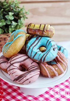 La receta auténtica de Donuts Americanos! http://blogmegasilvita.com/2013/06/donuts-yankees-rota.html