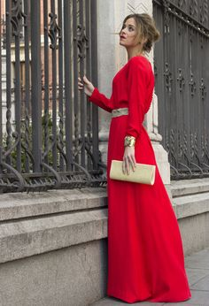 elegant red maxi dress with sleeves and belt Modest Dresses, Cute Dresses, Beautiful Dresses, Muslim Fashion, Modest Fashion, The Dress, Dress Skirt, Dress Prom, Maxi Skirts