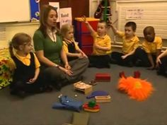 This is a video clip from the DfES Letters and Sounds Programme used to teach children to read in many schools. This clip shows children rehearsing th. Team Teaching, Teaching Phonics, Preschool Literacy, Phonics Activities, Teaching Kids, Phonics Videos, Phonics Words, Phase 2 Phonics Games, Phonics Blends