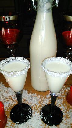 Coconut Margarita, Margarita Recipes, Malibu Cocktails, Cocktail Drinks, Smoothie Drinks, Smoothies, Nectar Juice, Pineapple Coconut, Spiced Rum