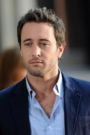 just like pretty boys. Hawaii five-O .Hawaii five-O . Alex O'loughlin, Hawaii Five O, Medium Long Hair, Medium Hair Cuts, Trends, Good Looking Men, Gorgeous Men, Pretty People, How To Look Better