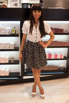 Zaamissbowtie looks cute in a white blouse from LEGiT. #Bloggerstyle #Fashion #White