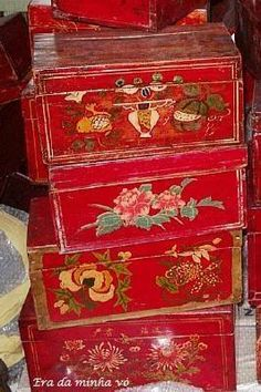 a37265bc4 Porta Joias, Caixa, Tapetes, Pinturas Em Madeira, Vermelho, Decoração De  Casa, Ideias, Mobília Pintada À Mão, Móveis Estêncil