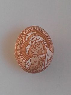 Views of a etched brown chicken egg by Таня Коновал's. So Beautiful Cool Easter Eggs, Ukrainian Easter Eggs, Fresh Chicken, Egg Shell Art, Brown Eggs, Egg Crafts, Egg Designs, Faberge Eggs, Sculpture