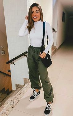 Classy Outfits, Outfits For Teens, Cool Outfits, Summer Outfits, Casual Outfits, Fashion Outfits, Pantalon Cargo, Feminine Style, Sport Outfits