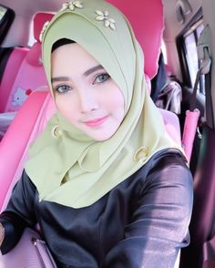 Koleksi Gadis Tudung Arab Girls Hijab, Girl Hijab, Muslim Girls, Muslim Women, Beautiful Hijab, Beautiful Eyes, Beautiful Women, Hijab Niqab, Muslim Hijab