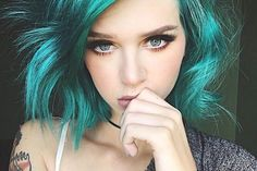 This hair color with a black mermaid fin --- 15 Edgy Hair Color Ideas to Try Right Now in New year, new you for that reason let's choose a new color for you. 2019 Hair color trends are all over the color spectrum, which give. Pelo Rasta, Hair Color Blue, Edgy Hair Colors, Bright Hair Colors, Purple Hair, Haircut Styles, Grunge Hair, Pastel Grunge, Mermaid Hair