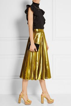 Add this pleated skirt to your festival attire with trainers and ...