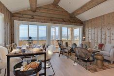 Bilderesultat for simpelt hytte interiør Decor, Furniture, Conference Room, Room, Real Estate, Table, Home Decor, Conference Room Table, Inspiration