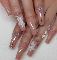 Do you want to have these fabulous nails as soon as possible? Take a look at our collection of best coffin nails design! Bling Acrylic Nails, Summer Acrylic Nails, Best Acrylic Nails, Rhinestone Nails, Bling Nails, Pastel Nails, Nail Swag, Classy Nails, Stylish Nails