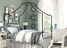Simple, soft gray teen girl's bedroom. Get the look with Dunn-Edwards Stone Craft DE6292 for your walls.