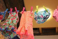 In @hetlandvanooit hangen alle badpakjes en zwembroeken aan de waslijn. Da's gemakkelijk kiezen!