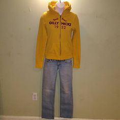 3 piece outfit bullhead jeans gilly hicks hoodie Bullhead 0 short super light jeans sunset straight gilly hicks yellow zip up hoodie medium American eagle v-neck pink glitter bling tee in pink xs (runs a lil big) Throwing in a gift tee (no room for pics) Bullhead Jeans Straight Leg