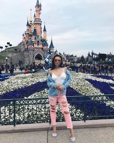 Make Me Smile, Youtubers, Disneyland, My Favorite Things, My Style, People, How To Make, Angel, Outfits