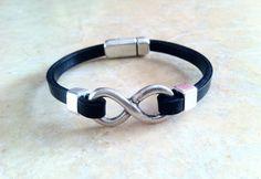 Infinity armband  van Hituk op DaWanda.com