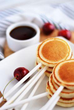 Pancake lollipop