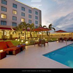 Para un buen momento, una tarde de piscina en nuestro #hotel. #Panama   Haz tu reservación escribiendo a: panama.reservas@r-hr.com.  Teléfono: +507 304-9595