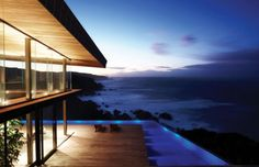 Cove 3 – a modern cliff house by SAOTA and Antoni Associates