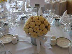 Floral arrangement cupcakes - www.victorias-kitchen.com