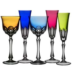 @Mayherling Garcia Varga's Nouveau Simplicity stemware comes in 5 colors that make us swoon